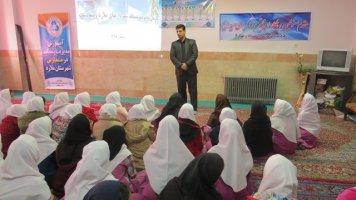 کلاس آموزشی مدیریت پسماند در آموزشگاه 15 خرداد ویلادشت